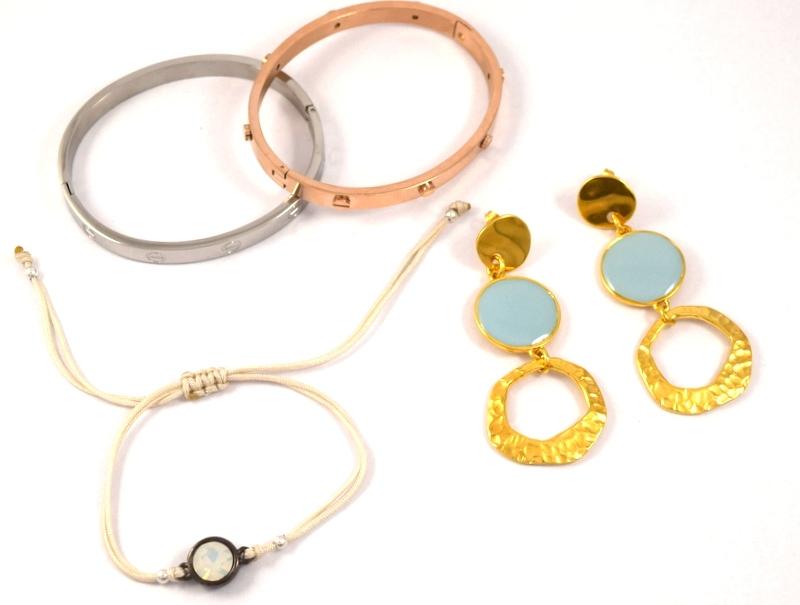 Αξεσουάρ μόδας(έτοιμα κοσμήματα)