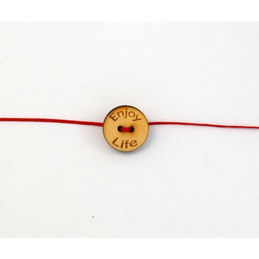 Ξυλινο στοιχειο κουμπί enjoy life με δυο τρύπες με διαμετρο 18mm σε φυσικό χρωμα τιμη ανα τεμάχιο