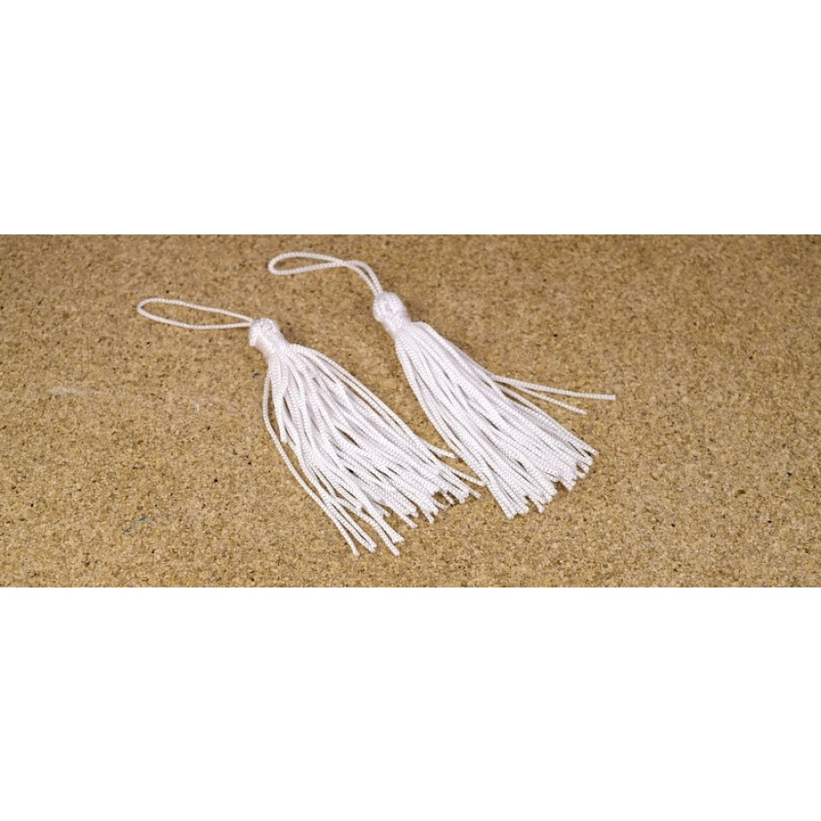 Μεσαία λευκή  φούντα  7cm τιμή ανα τεμάχιο