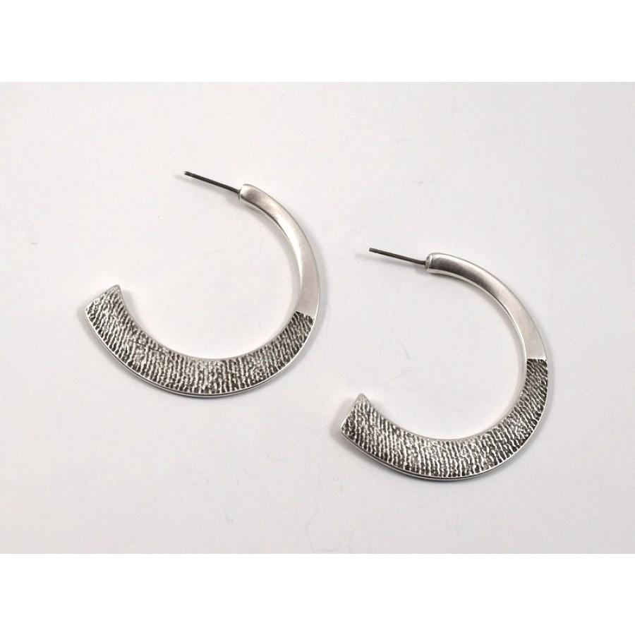 Σκουλαρίκια ημικυκλικά σαγρέ -με καρφί από τιτάνιο-σε ασημί αντικέ-ανα ζευγάρι