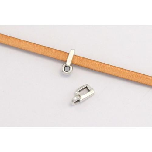 Μεταλλικό  περαστό  παραλληλόγραμμο μίνι μοτιφ με κρικάκι 8,8 x 3,8 mm καταλληλο για πλακέ πολύ στενο κορδόνι-δέρμα 3x2mm σε ασημί αντικέ τιμή ανα τεμάχιο
