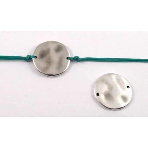 Δίσκος μεσαίος σφυρήλατος 22mm με 2 τρύπες ασημί αντικέ-ανα τεμάχιο